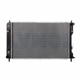 13140 - RADIATOR - 07-17 Chevrolet Equinox, GMC Terrain, Pontiac Torrent, Suzuki XL-7, 11/16'' higher than 13103
